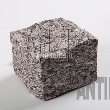 Granito akmens trinkelė ANTIK pilka 100x100x100